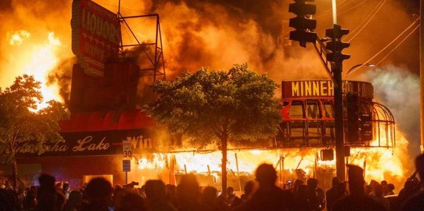 Fogo nos racistas? O que o Brasil precisa aprender com os protestos nos EUA