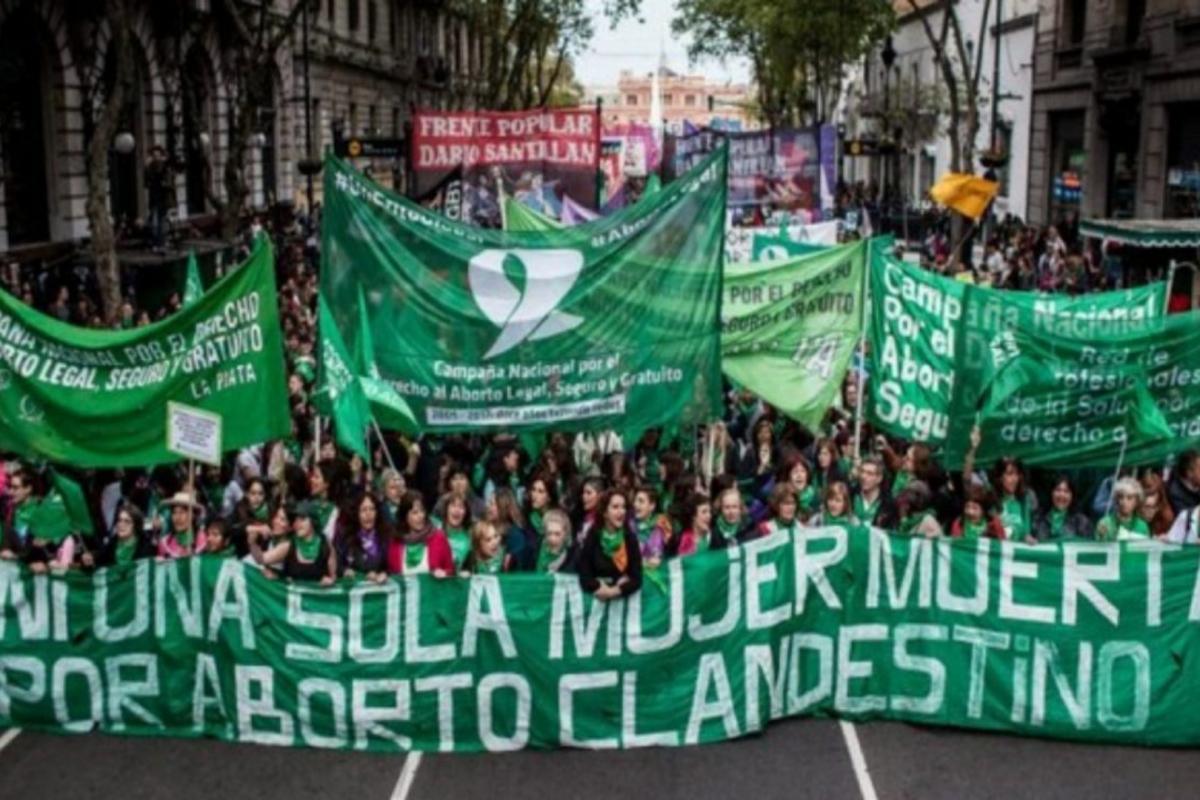 A lanterna verde de esperança da Argentina para nós: é feminista!