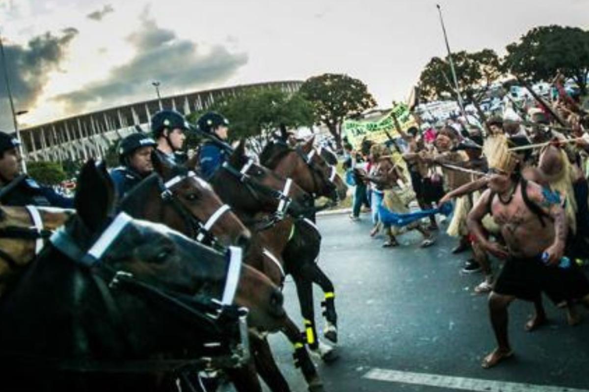 Recrudesce a perseguição e criminalização aos povos indígenas