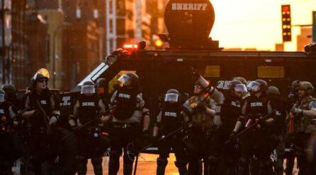 Já passou da hora de o Congresso dos EUA desmilitarizar permanentemente a polícia